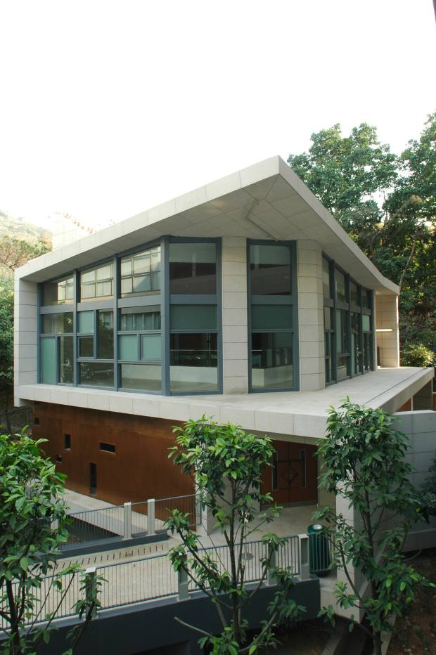 lingnan_university_chapel_3